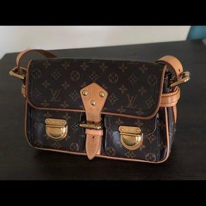 Louis Vuitton Purse Satchel